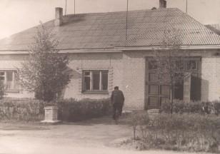Ariogalos ugniagesių gelbėtojų tarnyba. Apie 1970 metus. (Iš Ariogalos gelbėtojų ugniagesių archyvo).